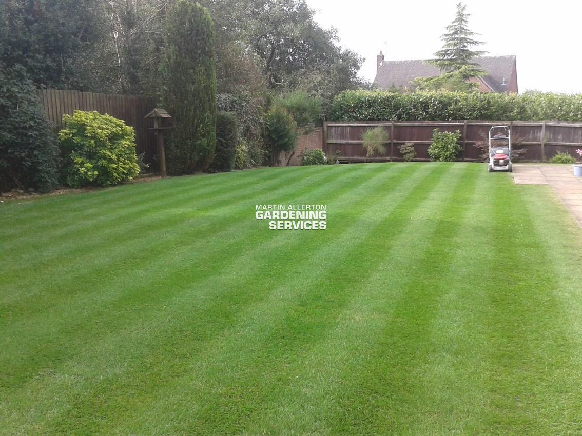 Hilderstone lawn striping